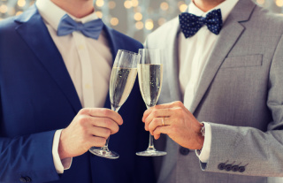 結婚式二次会の服装、どうする?(男性編)