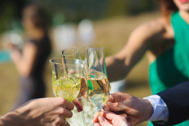 結婚式の乾杯挨拶を頼まれた時に参考にしたいこと