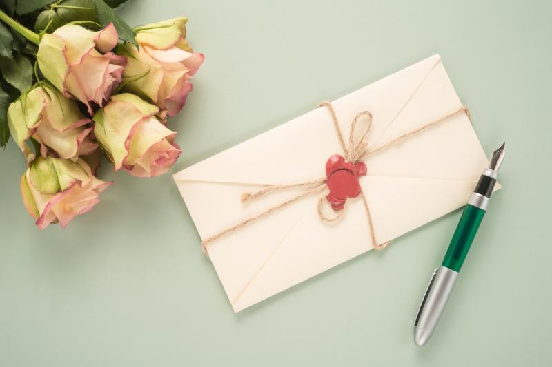 結婚祝いに渡したい!手作りのメッセージカードアイデア