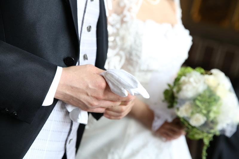 新郎に仕掛けたい!結婚式のサプライズアイデア5選