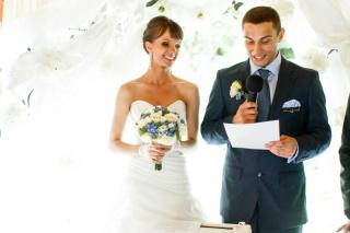 素敵な結婚式の幕開け。カッコいい新郎あいさつを!