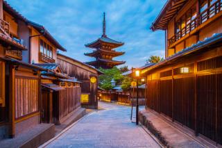 わざわざ足を運びたい!風情のある街並みが絵になる京都のロケーションフォト