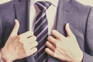 結婚式参列のネクタイの色・柄ってどこまでOK?