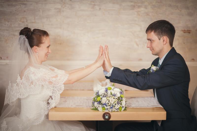 ポイントを押さえて好感度アップ!結婚の挨拶時の服装(女性編)
