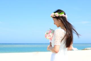 沖縄のフォトウェディングの相場が知りたい!撮影に適した時期は?