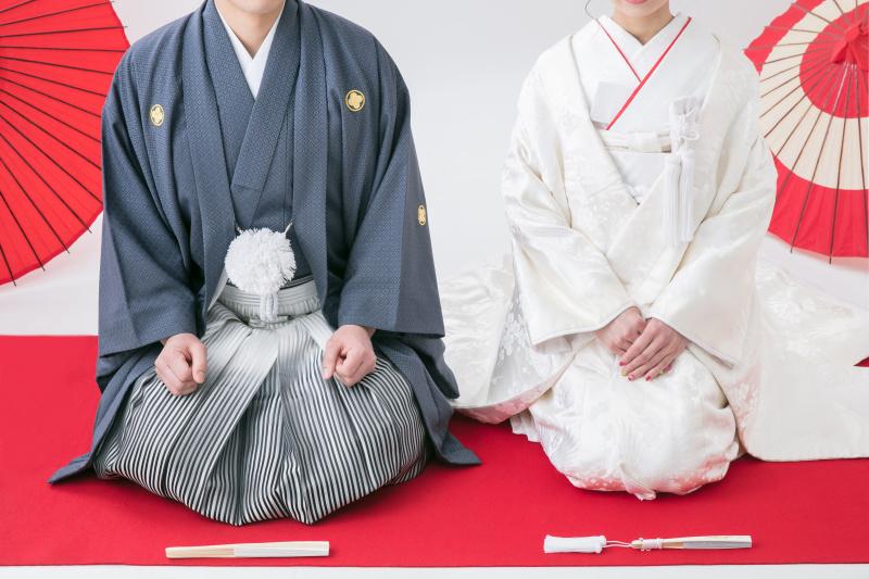 結婚式の前撮りポーズ50選【最新版】|全部マネしたいっ!♥和装