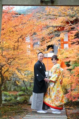 161237_京都_紅葉 和装 毘沙門堂