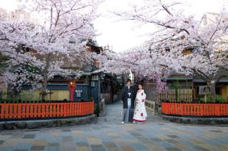 141750_京都_和装ロケーション(祇園巽橋)