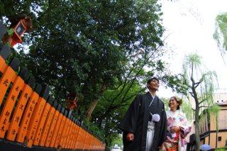 35227_京都_和装ロケーション(祇園巽橋)