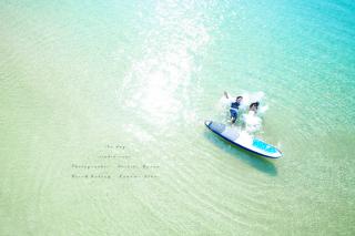 【サップフォト】沖縄リゾートフォトで大人気♪とびっきり楽しいスペシャル体験!限りなく透明に近いブルーの海で過ごす沖縄ビーチフォト