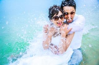 【ドレスごと海へダイブ!】沖縄の海を大満喫(^^)暑い沖縄で楽しむならコレ!限りなく透明な沖縄ブルーに海へ全力ダイブしよう♪