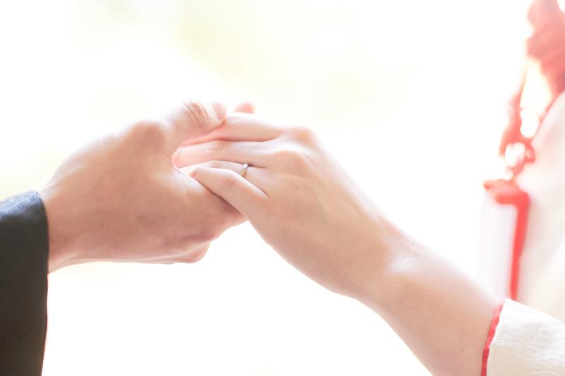 つなぐ手と手
