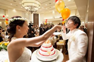 【結婚式当日】フルハイビジョン記録ビデオ撮影(披露宴中のBGM収録・ゲストインタビュー・ダイジェスト付き)¥66,000
