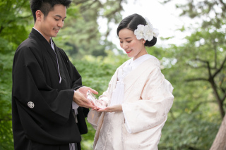 355129_石川_和装にぴったり!自然の彩りと楽しむ日本庭園ロケ