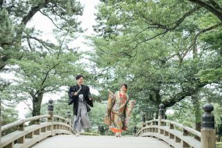 355116_石川_和装にぴったり!自然の彩りと楽しむ日本庭園ロケ