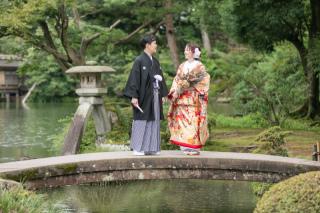 355134_石川_和装にぴったり!自然の彩りと楽しむ日本庭園ロケ