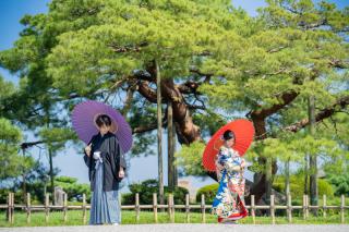 355121_石川_和装にぴったり!自然の彩りと楽しむ日本庭園ロケ