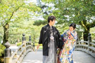 355126_石川_和装にぴったり!自然の彩りと楽しむ日本庭園ロケ