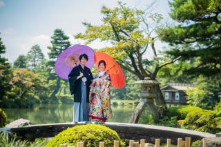 355123_石川_和装にぴったり!自然の彩りと楽しむ日本庭園ロケ