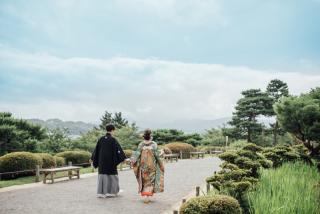 355117_石川_和装にぴったり!自然の彩りと楽しむ日本庭園ロケ