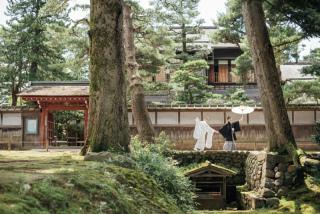 355108_石川_和装にぴったり!自然の彩りと楽しむ日本庭園ロケ