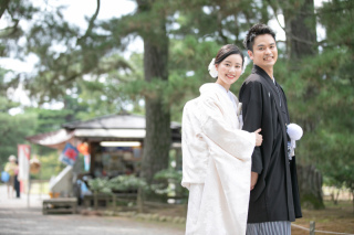 355132_石川_和装にぴったり!自然の彩りと楽しむ日本庭園ロケ