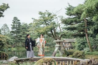 355119_石川_和装にぴったり!自然の彩りと楽しむ日本庭園ロケ