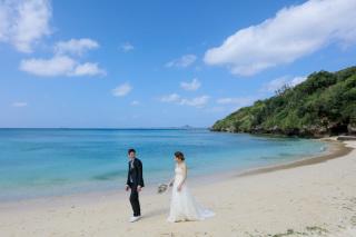271918_沖縄_エメラルドグリーンの海と一緒に!<ビーチロケ撮影①>