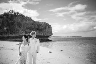 344010_沖縄_エメラルドグリーンの海と一緒に!<ビーチロケ撮影①>