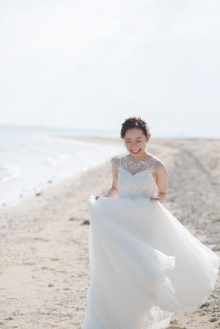 343963_沖縄_エメラルドグリーンの海と一緒に!<ビーチロケ撮影①>