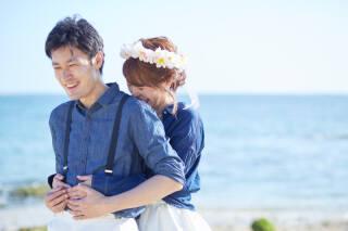 343973_沖縄_エメラルドグリーンの海と一緒に!<ビーチロケ撮影①>