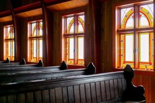 273135_京都_木漏れ日溢れる礼拝堂