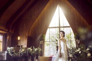273131_京都_木漏れ日溢れる礼拝堂