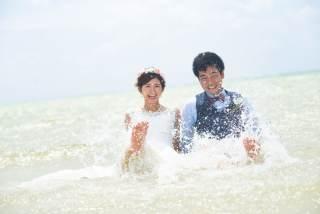 283446_沖縄_ドレスで海に飛び込んじゃおう!ウォーターショット♪