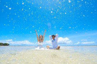 161949_沖縄_ドレスで海に飛び込んじゃおう!ウォーターショット♪