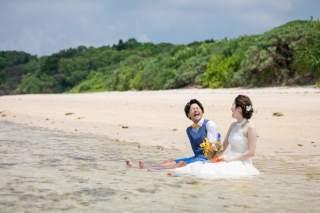161952_沖縄_ドレスで海に飛び込んじゃおう!ウォーターショット♪