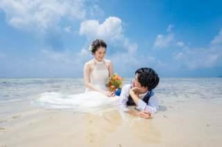 161951_沖縄_ドレスで海に飛び込んじゃおう!ウォーターショット♪