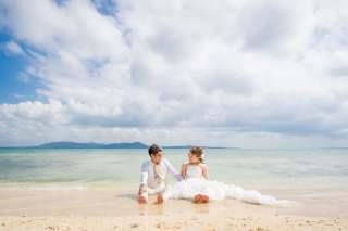 173273_沖縄_ドレスで海に飛び込んじゃおう!ウォーターショット