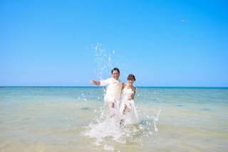 283444_沖縄_ドレスで海に飛び込んじゃおう!ウォーターショット♪