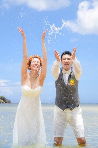 116041_沖縄_ドレスで海に飛び込んじゃおう!ウォーターショット♪