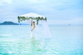 116568_沖縄_ドレスで海に飛び込んじゃおう!ウォーターショット♪