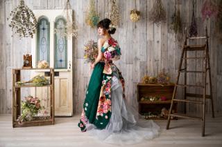 振袖ドレススタジオ撮影 振袖ドレス1点+スタジオ撮影+全データ付 121,000円