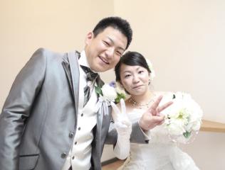 224604_石川_ドレスならチャペル♪館内の撮影もバリエーション豊富♪ドレスフォト