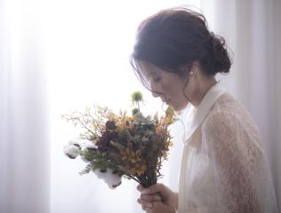 224585_石川_ドレスならチャペル♪館内の撮影もバリエーション豊富♪ドレスフォト