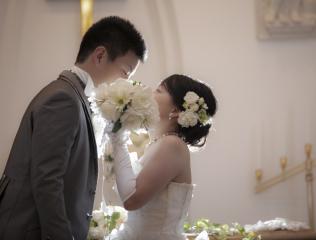 224598_石川_ドレスならチャペル♪館内の撮影もバリエーション豊富♪ドレスフォト