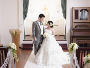 224599_石川_ドレスならチャペル♪館内の撮影もバリエーション豊富♪ドレスフォト
