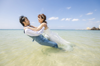 263978_沖縄_キラキラ輝く海☆青い空フォトウェディング(沖縄本島)