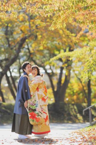 243932_北海道_【紅葉ロケフォト-秋autumn】紅葉×和装でHappy