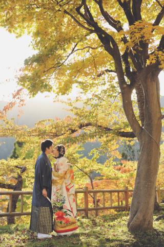 243887_北海道_【紅葉ロケフォト-秋autumn】紅葉×和装でHappy